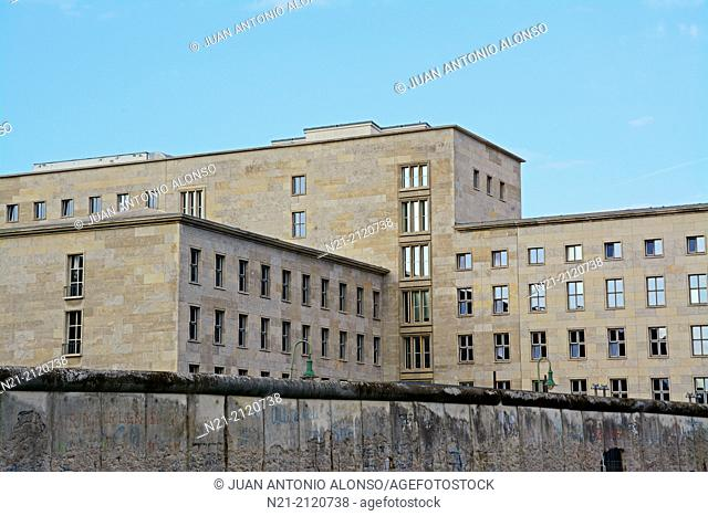 View of the Federal Ministry of Finance beyond an undemolished section of the old Berlin Wall. Photograph taken from the outdoor part of the Topographie des...