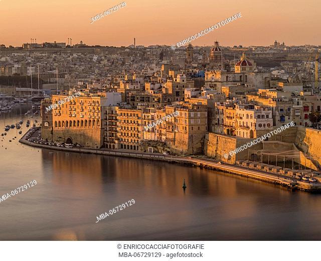 Sunrise above Grand Harbour in Valletta on Malta with view on Senglea