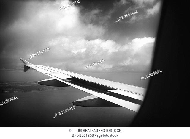 View of the wing of a plane from the window
