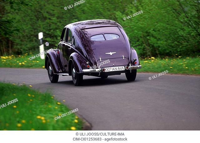 Car, Adler 2.5, model year 1937-1939, Limousine, upper middle-sized , streamlined approx. body, sogenannter Highway-Adler, Vintage car, The 30s, driving