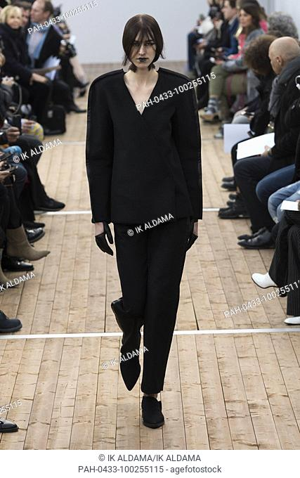 GUY LAROCHE 'Äãrunway show during Paris Fashion Week, Pret-a-Porter Autumn Winter 2018 - 2019 collection - Paris, France 28/02/2018. | usage worldwide
