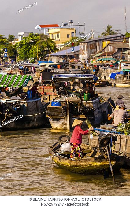 Cai Rang Wholesale Floating Market, near Can Tho, Mekong Delta, Vietnam