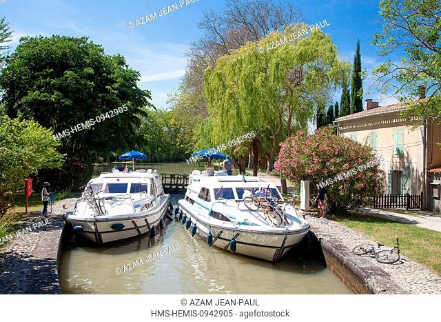 France, Aude, Castelnaudary, navigation on the Canal du Midi listed as World Heritage by UNESCO, the lock Saint Sernin