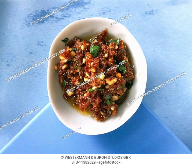 Tomato and parsley paste