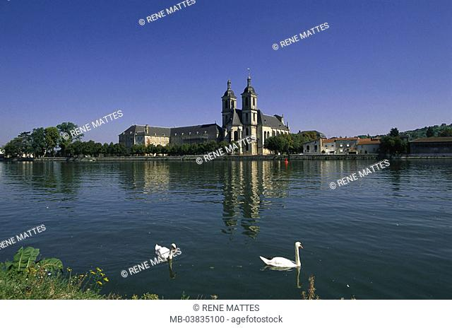 France, Lorraine, Meurthe et  Mosalee, Pont a Mousson Abbaye of this  Premontes, river Mosalee, swans,  Europe, north-east France, city, sight, Mosalee shores