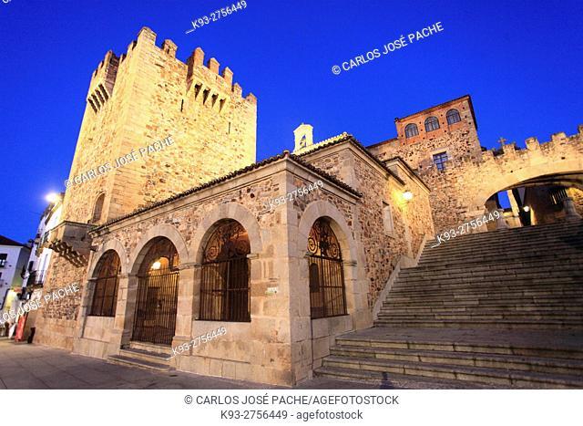 Totte de Bujaco, Hermita de la Paz y Arco de la Estrella. Monumento Historico de Cáceres