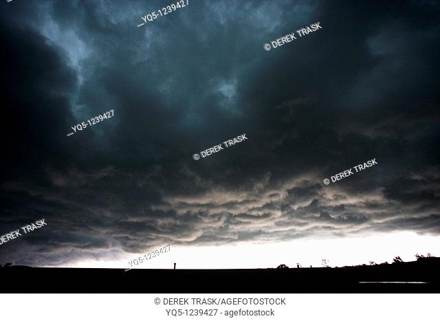 North America, Canada, Ontario, Meaford, approaching thunderstorm
