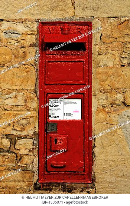 Old mailbox from the period of Queen Victoria's reign from 1837-1901 in a wall, Middle Lane, Armscote, Warwickshire, England, United Kingdom, Europe