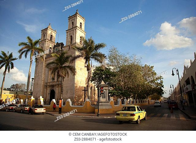 View to the San Gervasio Cathedral in the city center, Valladolid, Yucatan Province, Mexico, Central America