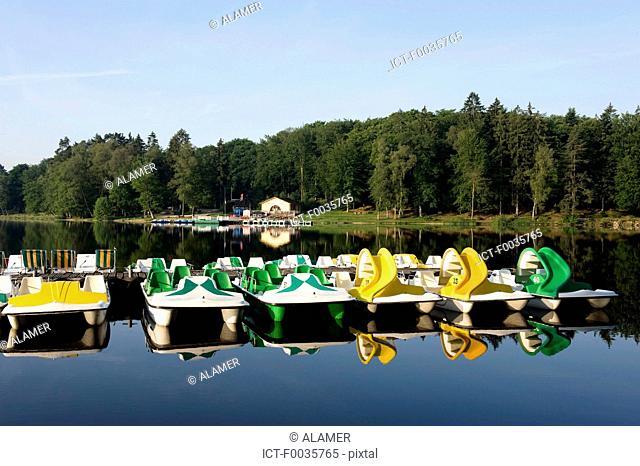 France, Burgundy, lac des Settons