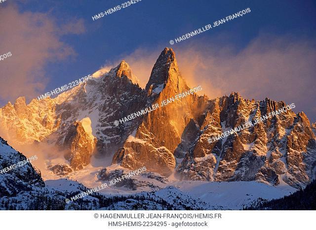France, Haute Savoie, Chamonix, aiguille Verte (4122m), aiguille du Dru (3754m), Mont Blanc range