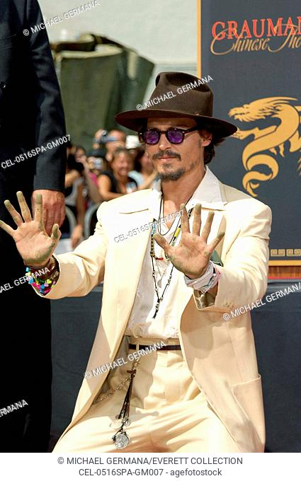 Johnny Depp at the press conference for Handprint & Footprint Ceremony for Johnny Depp, Grauman's Chinese Theatre, Los Angeles, CA, September 16, 2005