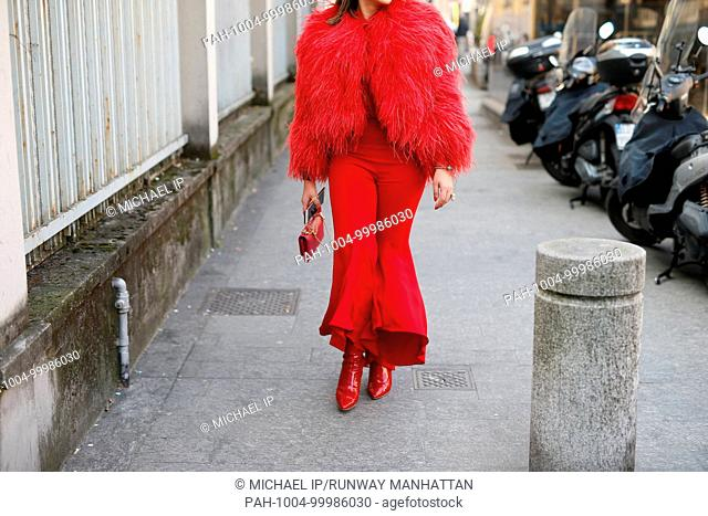 A chic showgoer attending the Arthur Arbesser show during Milan Fashion Week - Feb 21, 2018 - Photo: Runway Manhattan/Michael Ip ***For Editorial Use Only*** |...