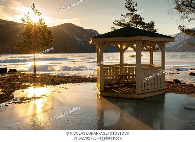 Tinnsja sunrise on frozen lake. Sandviken camping. Rjukan. Norway