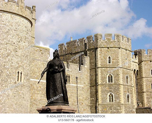 Queen Victoria Statue Windsor Castle Berkshire England United Kingdom