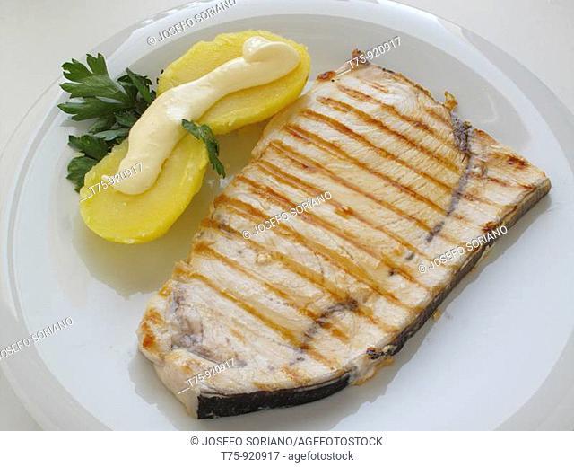 Emperor steak with potatoes