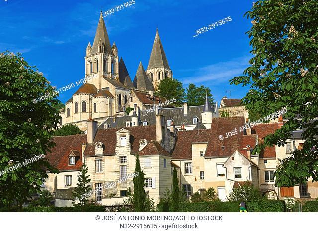 Loches, Saint Ours Church at Dusk, Indre-et-Loire, Touraine, Pays de la Loire, Loire Valley, UNESCO World Heritage Site, France
