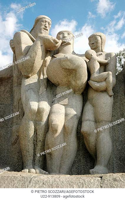 Sao Paulo (Brazil): the Monumento as Bandeiras, at Parque Ibirapuera