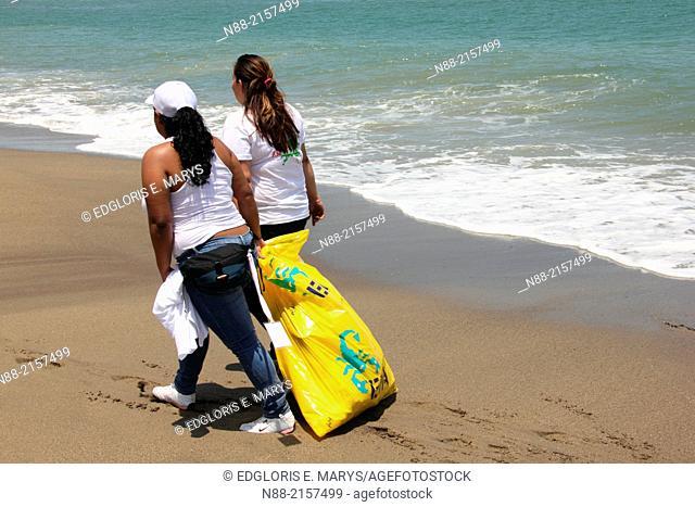 Coastal cleanup day Venezuela