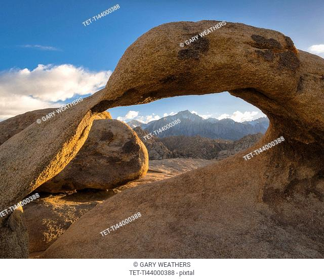 USA, California, Owens Valley, Dry landscape with Mobius Arch