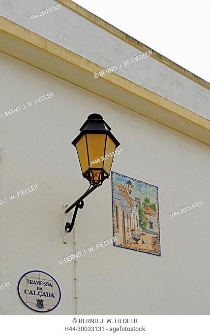 Gebäude, Kachelbild, Laterne, Straßenschild,Detail