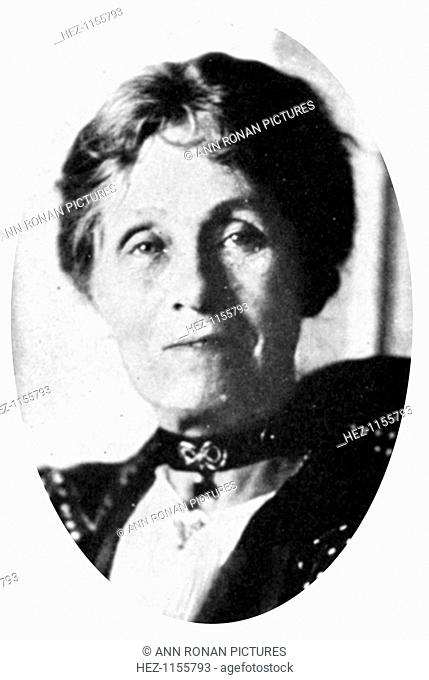 Mrs Emmeline Pankhurst, English suffragette, early 20th century. Born in Manchester from a Radical political background, Emmeline Goulden (1857-1928) married Dr...