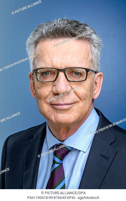 """12 April 2019, Saxony, Leipzig: The politician Thomas de Maizière, recorded at the MDR talk show """"""""Riverboat"""""""" on 05.04.2019 in Leipzig"""