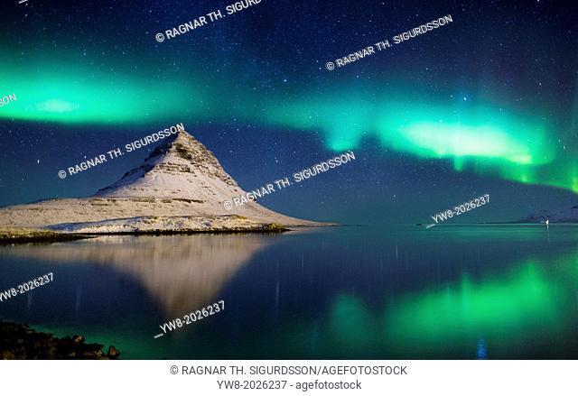 Aurora borealis with Mt. Kirkjufell in Grundarfjordur on Snaefellsnes Peninsula, Iceland