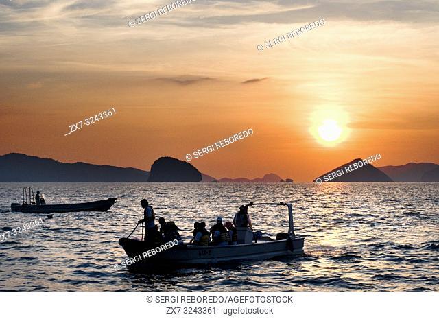 A boat sails through the South China Sea. The nest. Palawan. Palawan s El Nido stunning scenery made of limestone hills and lagoons El Nido The Philippines