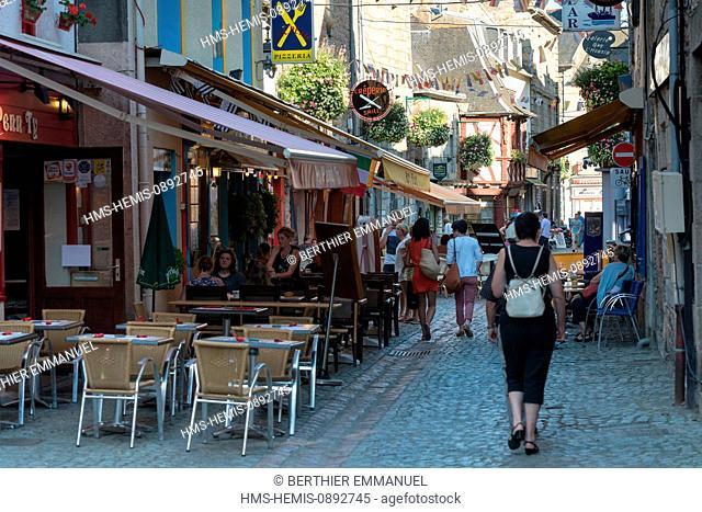 France, Cotes d'Armor, Paimpol, Rue des Huit patriotes
