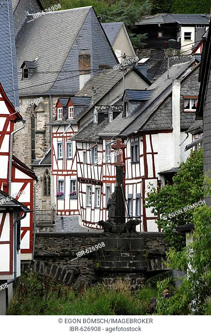 Town of Monreal, winner of the Unser Dorf hat Zukunft (Our Town Has a Future) national contest in 2004, Monreal, Rhineland-Palatinate, Germany, Europe