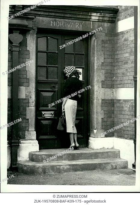 Aug. 08, 1957 - Lady Jane visits Paddington Mortuary.: Lady Jane Vane-Tempest-Stwewart, who received a telephone call from 38-year old society photographer