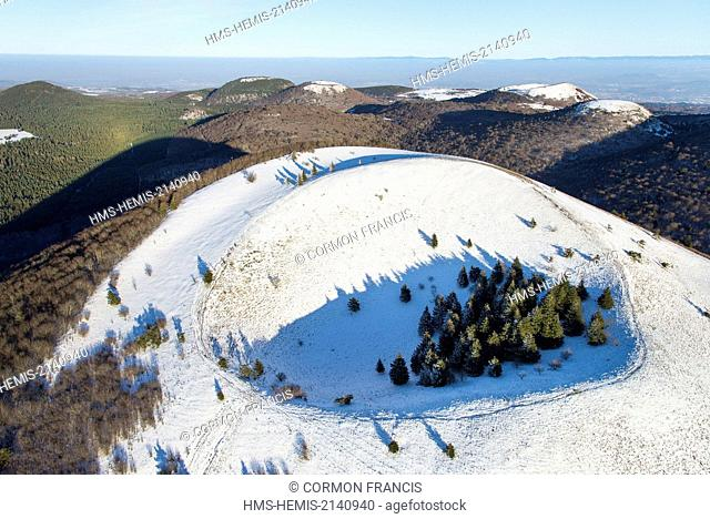 France, Puy de Dome, Ceyssat, Chaine des Puys, Regional Natural Park of the Auvergne Volcanoes, the Puy de Come (aerial view)