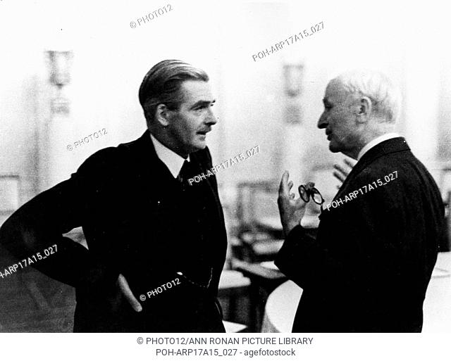 Photograph of British Foreign Minister Anthony Eden (1897-1977) and US Secretary of State Cordell Hull (1871-1955) in conversation. Dated 1943