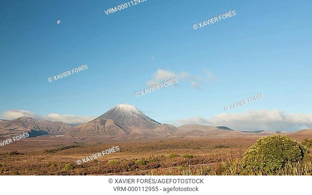Mount Ngauruhoe and Mount Tongariro, Tongariro National Park, North Island, New Zealand