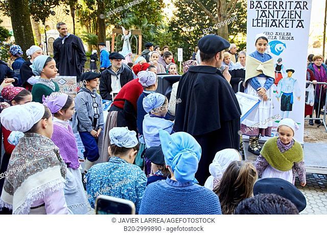 Baserritar Jantzien Lehiaketa, Regional costumes contest, Feria de Santo Tomás, The feast of St. Thomas takes place on December 21