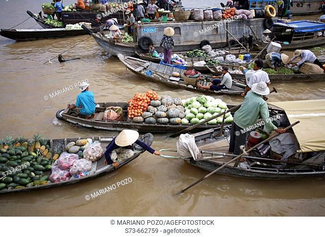Floating market of Can Tho, Vietnam