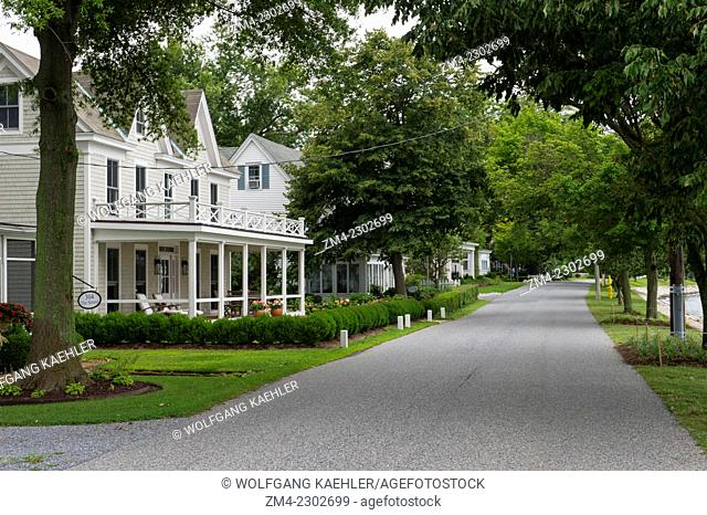 Tree-lined street in the historic town of Oxford, Maryland, USA, situated on Chesapeake Bay
