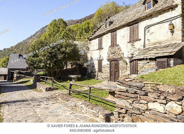 Sant Joan de Toran, Vall de Toran, Val d'Aran, Pyrenees, Lleida, Spain
