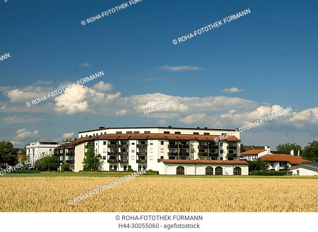 Bayern, Oberbayern, Berchtesgadener Land, Berchtesgaden, Himmel, blauer Himmel, Panorama, Freilassing, Rupertiwinkel, Stadt, Stadtansicht, Rupertuskirche