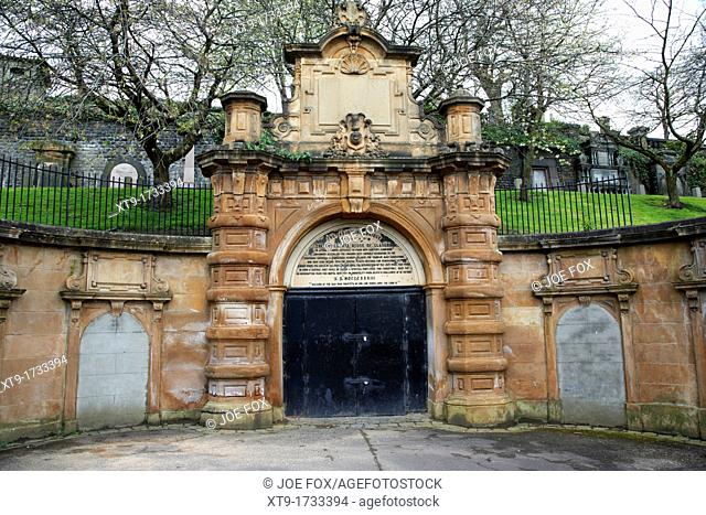 ornate unused entrance to glasgow necropolis victorian cemetery built by the merchants house of glasgow scotland uk