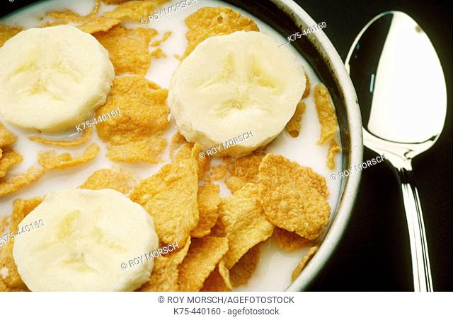 Corn flakes with bananas, breakfast cereal