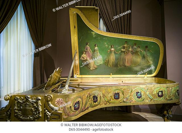 USA, District of Columbia, Washington, Reynolds Center for American Art, American Art Museum, White House Steinway Piano bought by President Theodore Roosevelt...