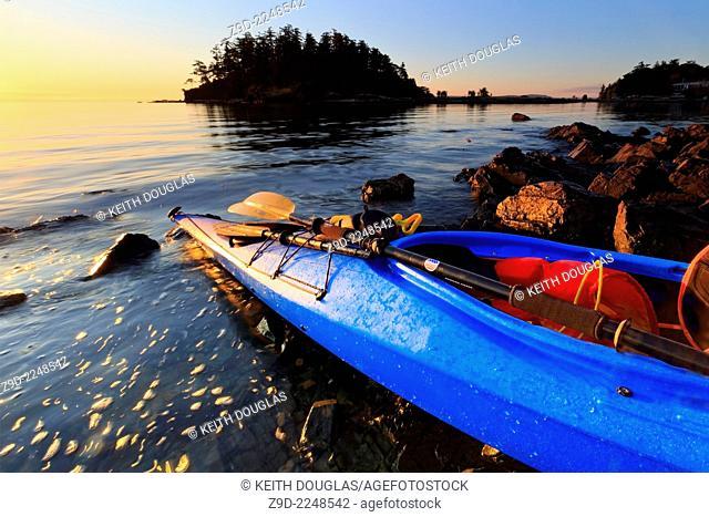 Sea kayak at sunrise, Pipers Lagoon Park, Nanaimo, Vancouver Island, British Columbia