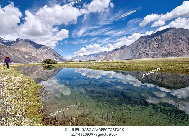 The Nubra valley, at an altitude of 3000m. India, Jammu and Kashmir, Ladakh, Nubra, Hunder. (/Julien Garcia)
