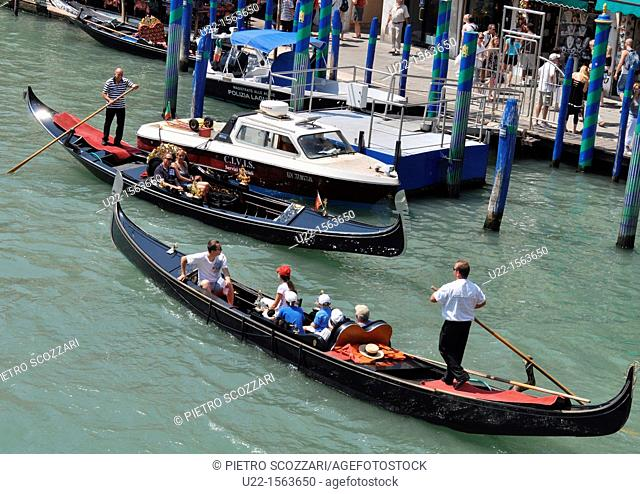 Venezia (Italy): gondole along a canal