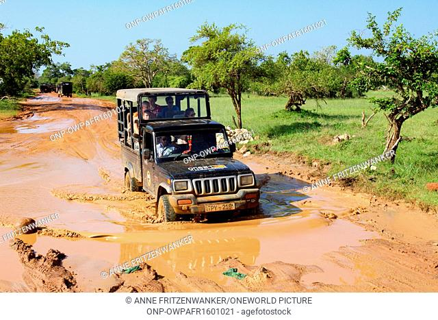 Sri Lanka, South Province, Tissamaharama, Yala National Park, Safari Jeep in Mud