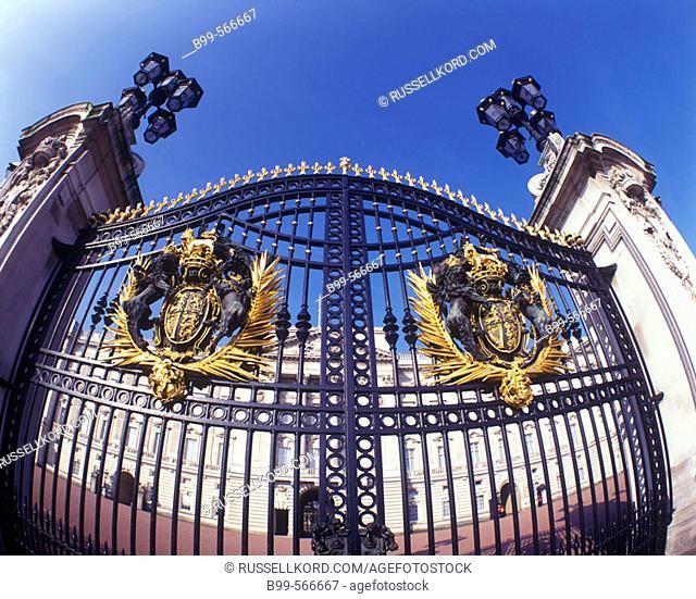 Entrance Gate, Buckingham Palace, London, England, U.K