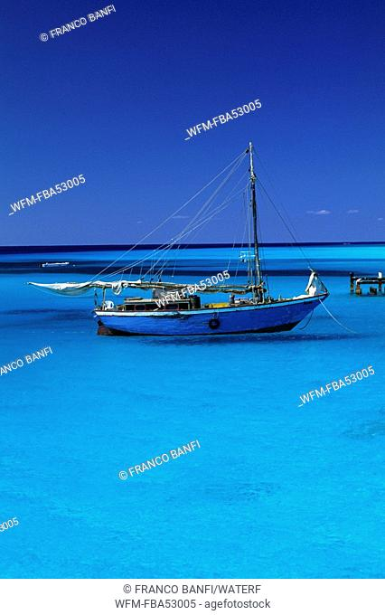 Fishing Boat in turquoise Lagoon, Caribbean, Turks and Caicos Islands