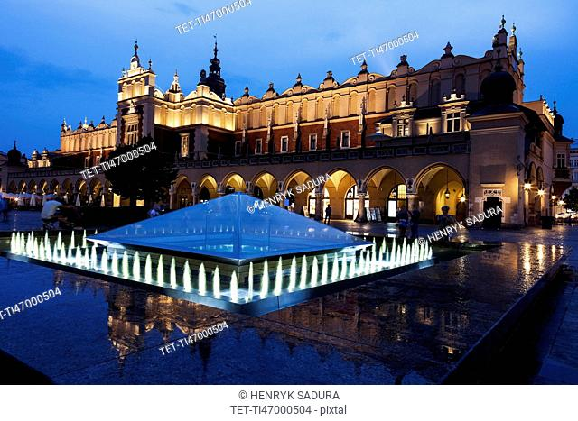 Fountain and Cloth Hall evening time